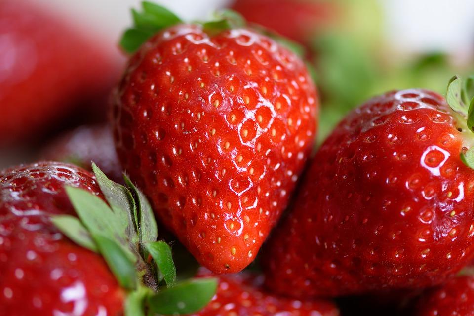 strawberries-4330211_960_720